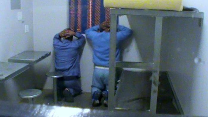 Vězněni pro zisk